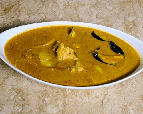 COCONUT TIPS CURRY